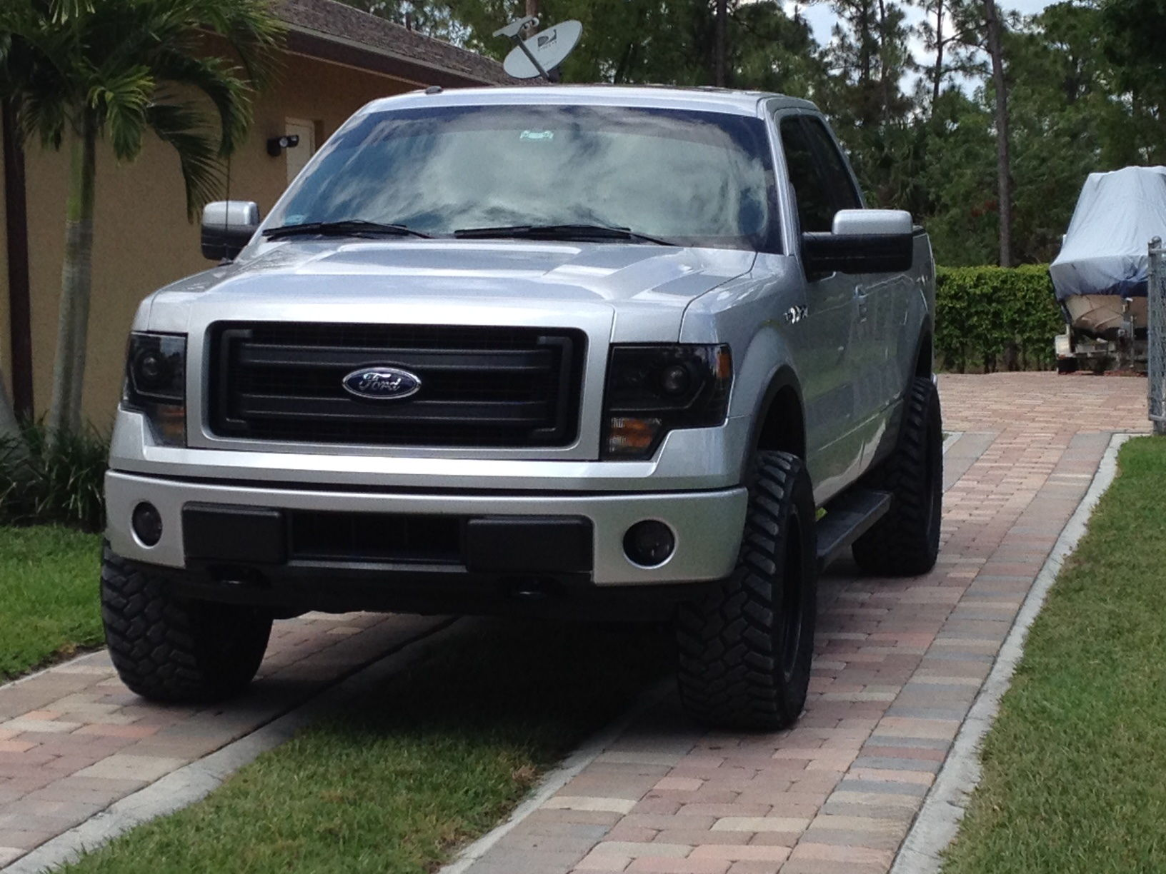 14 fx4 20x9 1 fuel trophy 305 55 nitto trail grappler