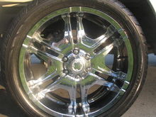 "22"" Limited Availabilty Titan 6 wheels made by Ultra Motorsport wheels with new Yokahama Parada Spec-x's $1500"