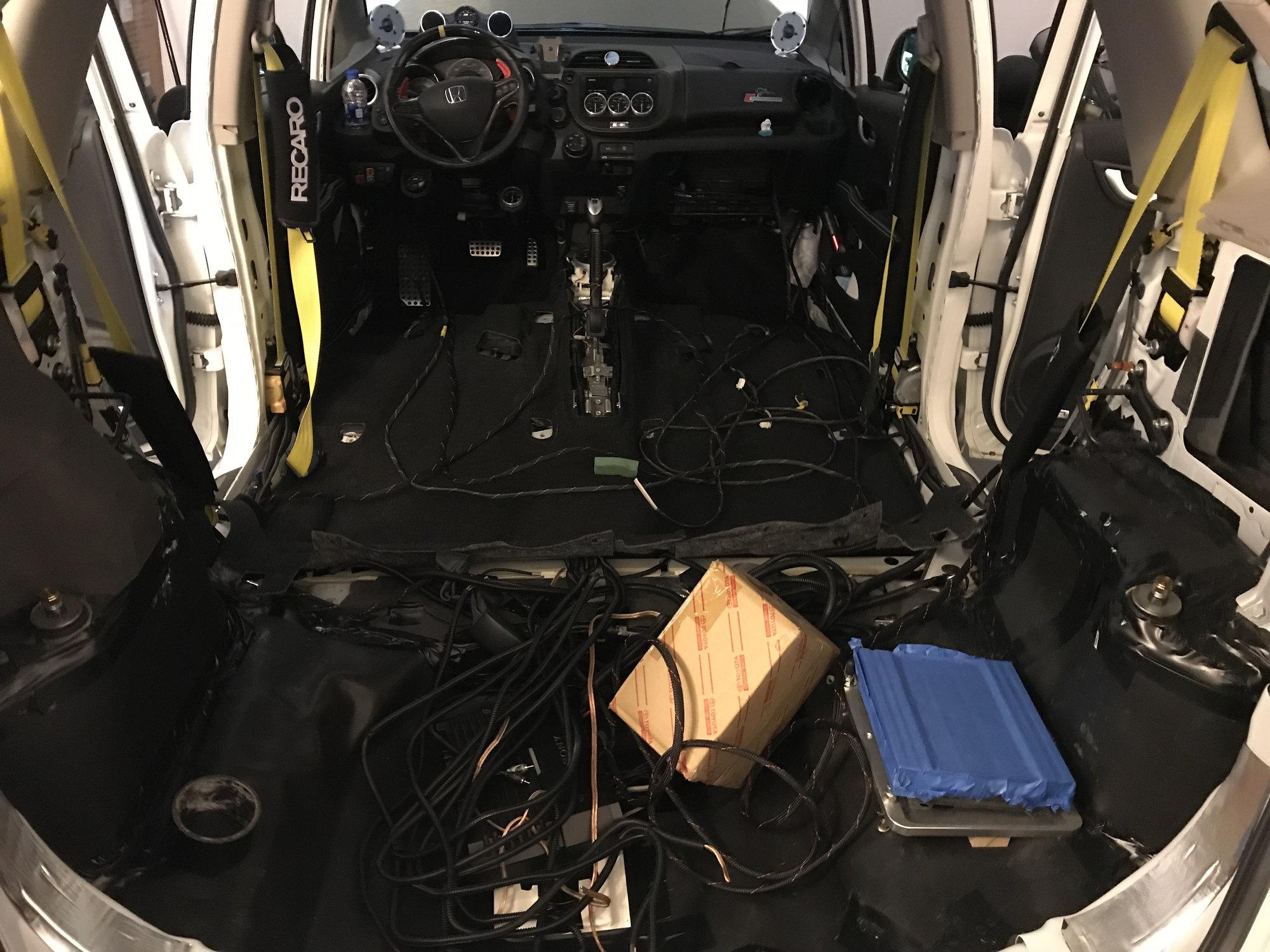 My Sony  Zapco  Dynaudio Esotar  Morel  Jl  Alpine  Audioquest  Rockford Audio Upgrade