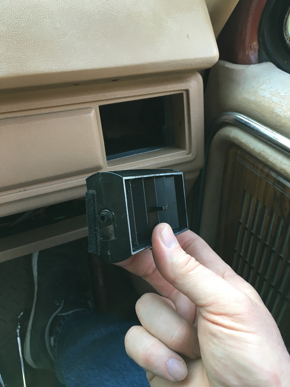How to Repair the AC Vent Door Hinge - Ford Truck