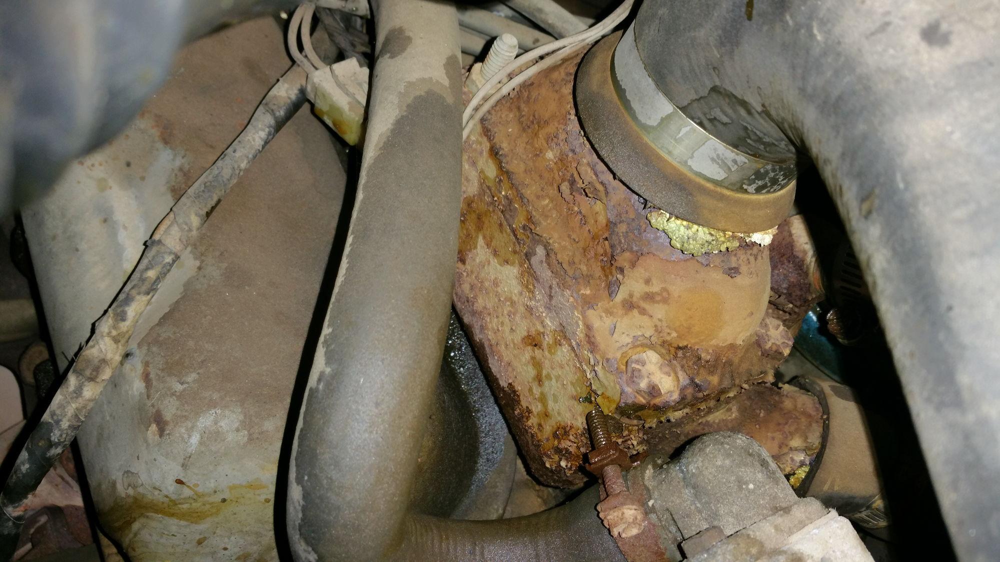 Ford 370 V8 Engine Thermostat Housing