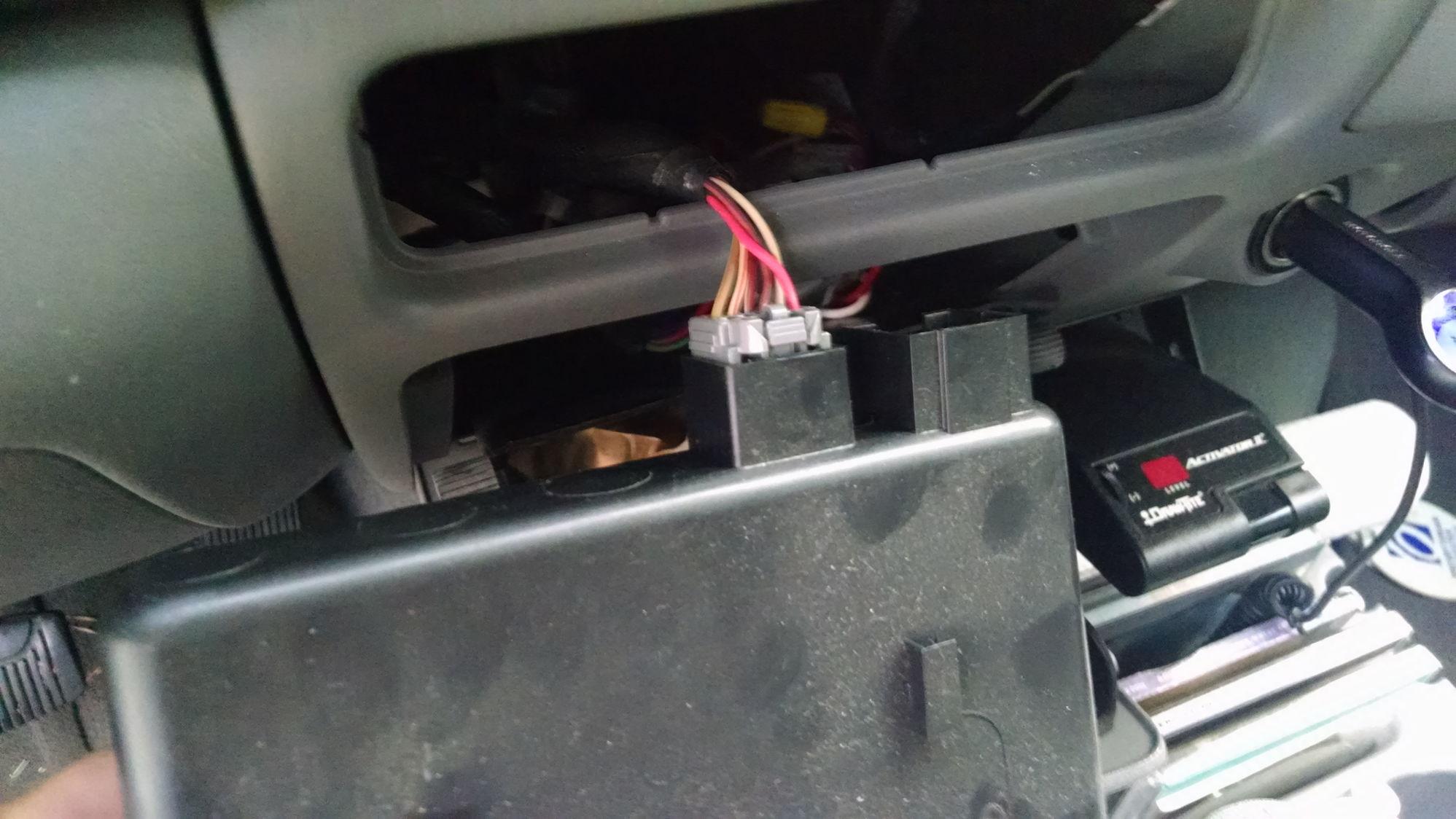 Identify Plug Behind Dashboard Tray