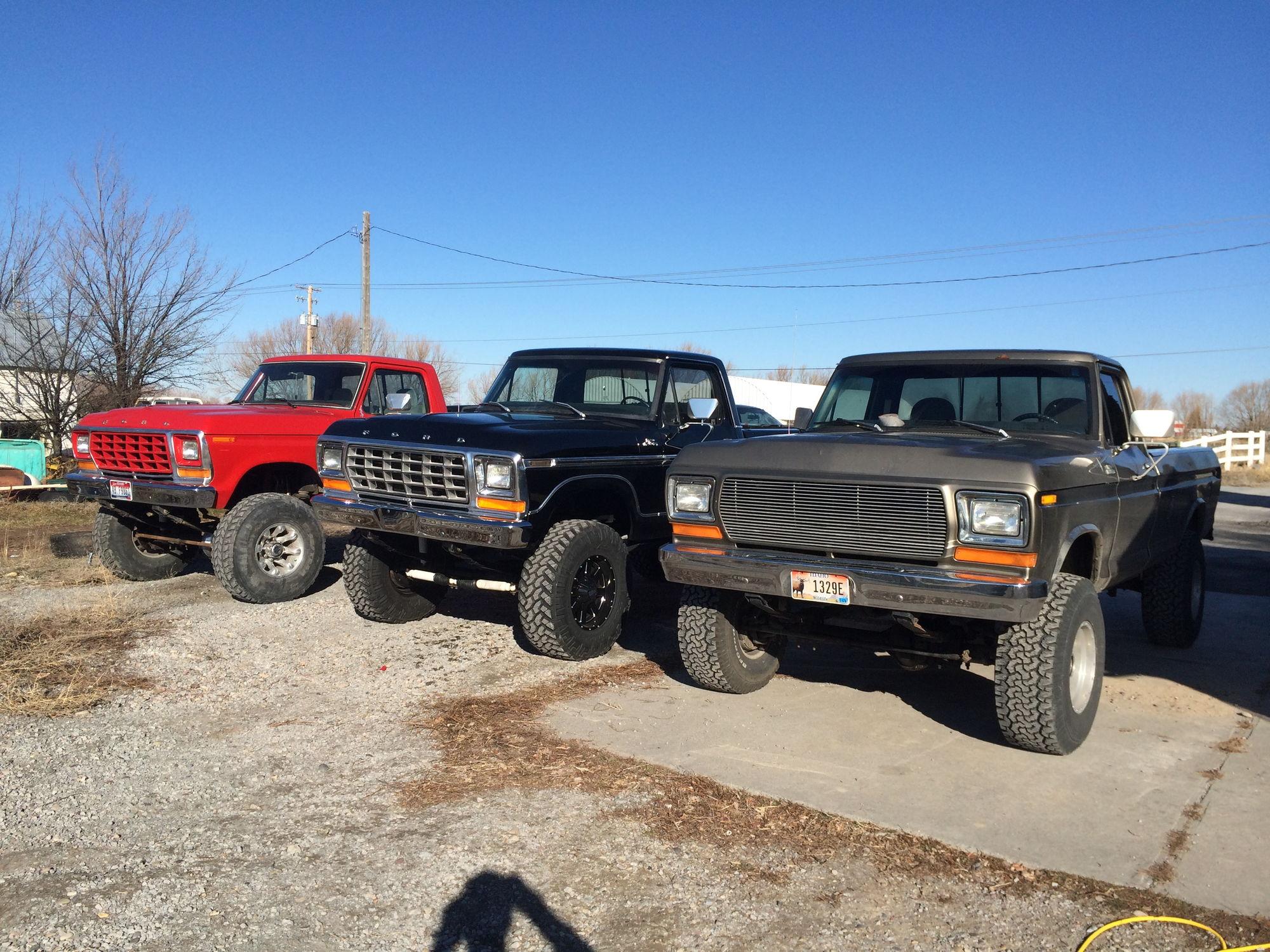 1973 f 350 crew cab 557 red and black build status in progress 1979 f 250 460 black build status finished 1979 f 250 400 arizona