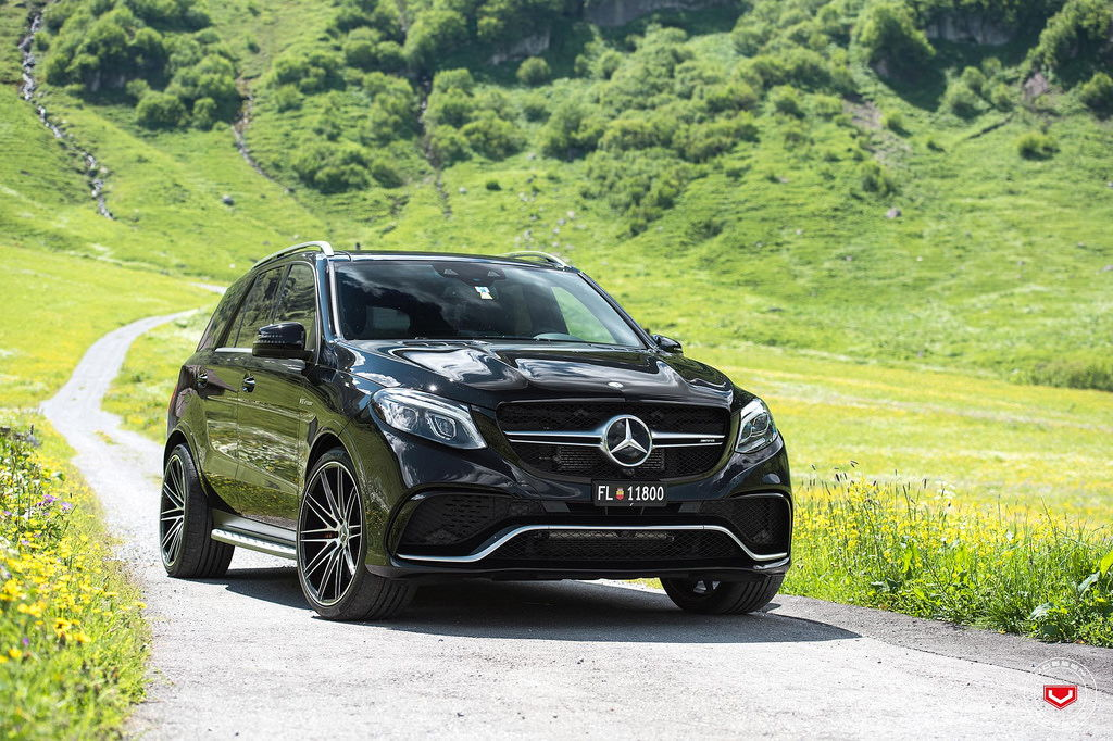 Beautiful black gle 63 in the alps vossen forged vps 307 for Mercedes benz build