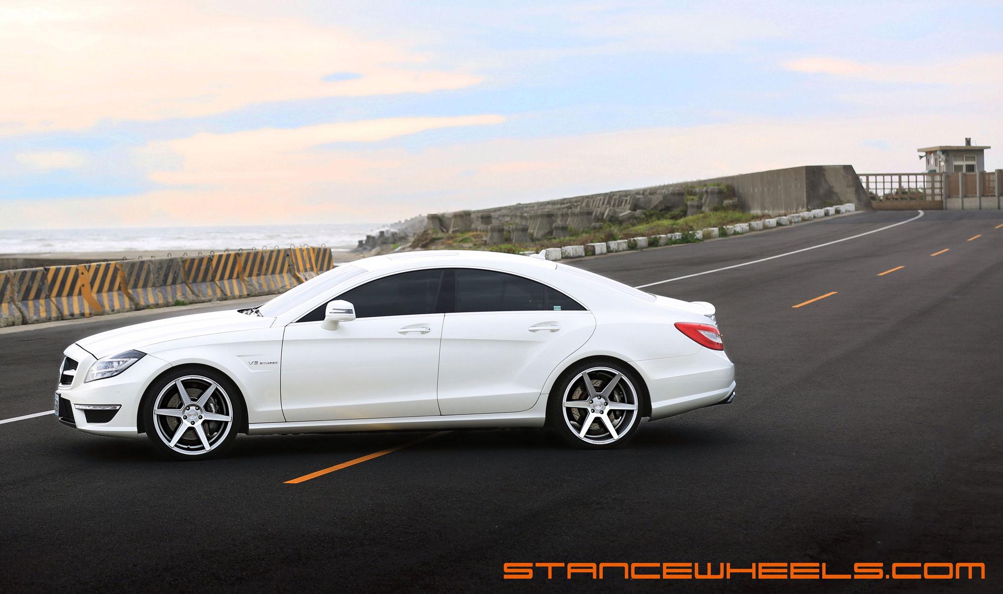 Mercedes benz cls63 amg w218 on stance sc 6 wheels 20x9 for Mercedes benz 6 wheel