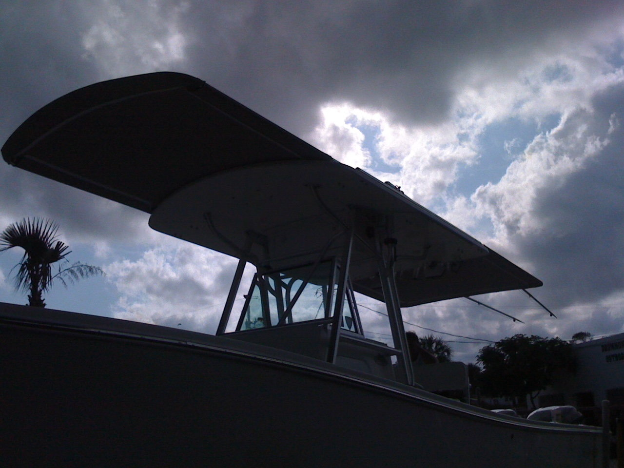 Anyone make a sun shade using existing outriggers? - The