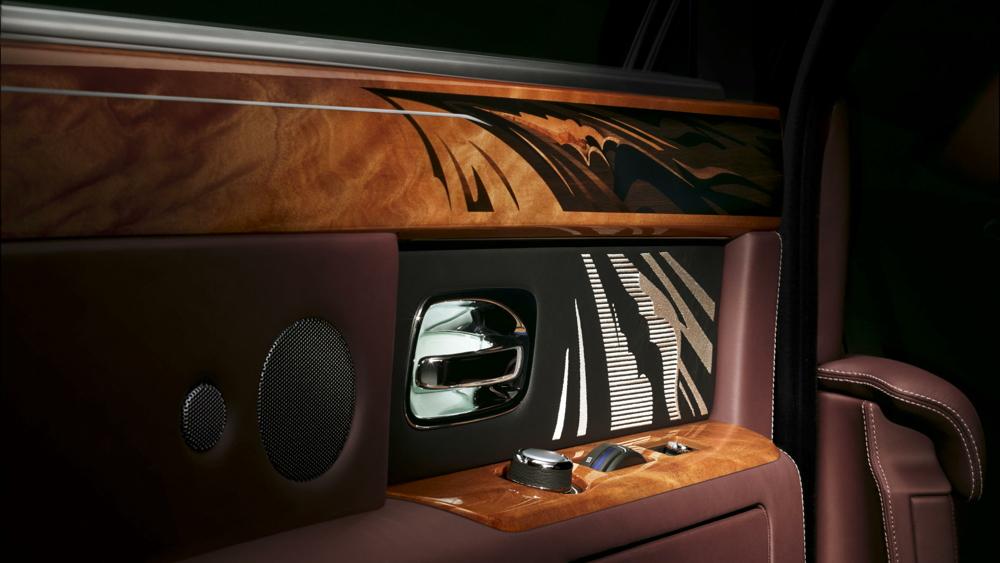 Rolls-Royce Bespoke Pinnacle Travel Phantom