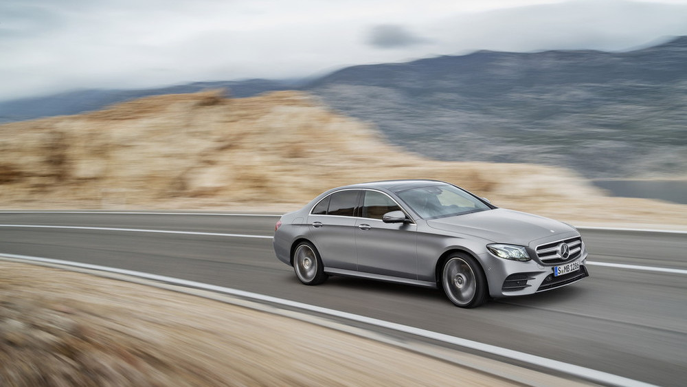 2017 Mercedes-Benz E-Class leaked - Image via Auto-Press