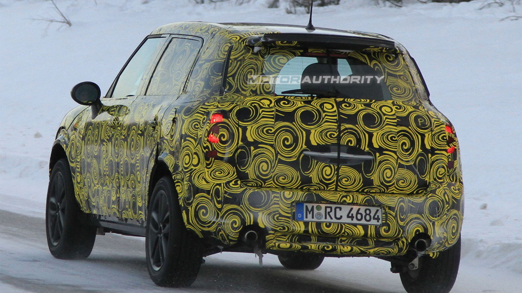 2012 MINI Crossover spy shots