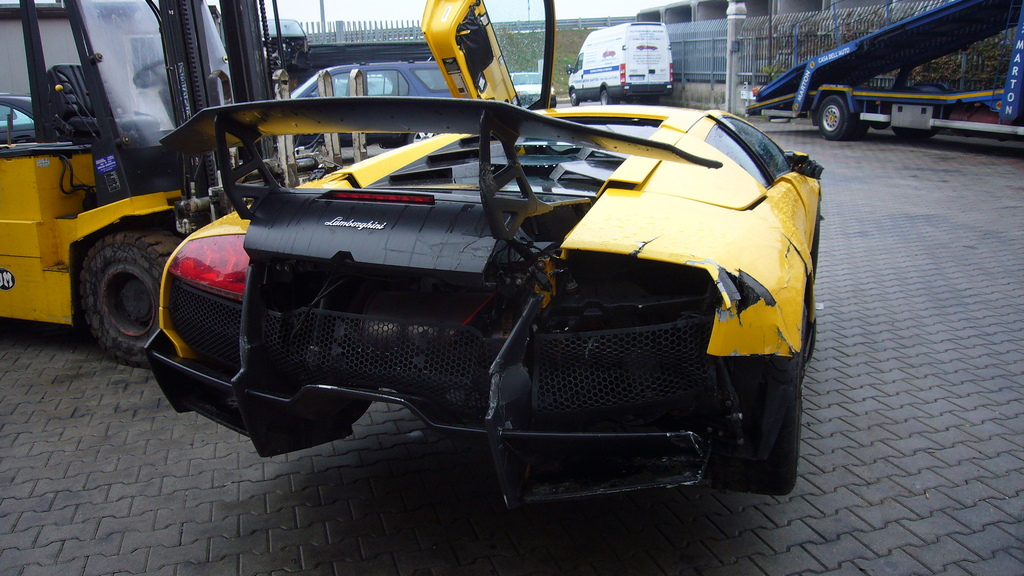 Ultra Rare Lamborghini Murcielago Lp670 4 Sv Suffers Crash