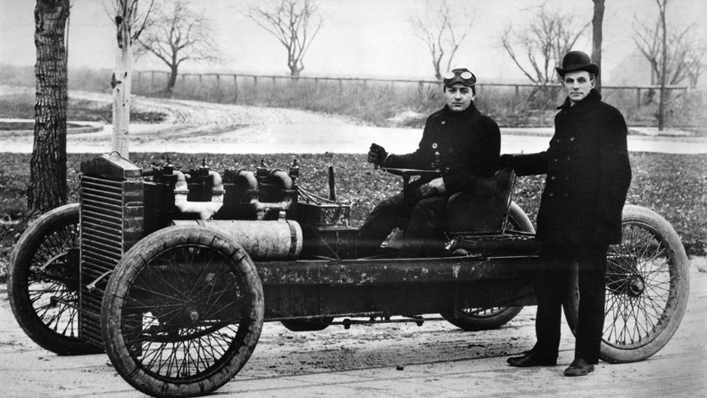 1903 - Barney Oldfield, Henry Ford and 999 race car
