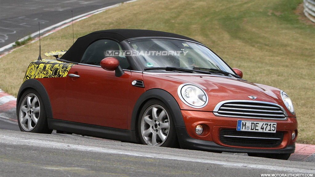 2012 MINI Roadster spy shots