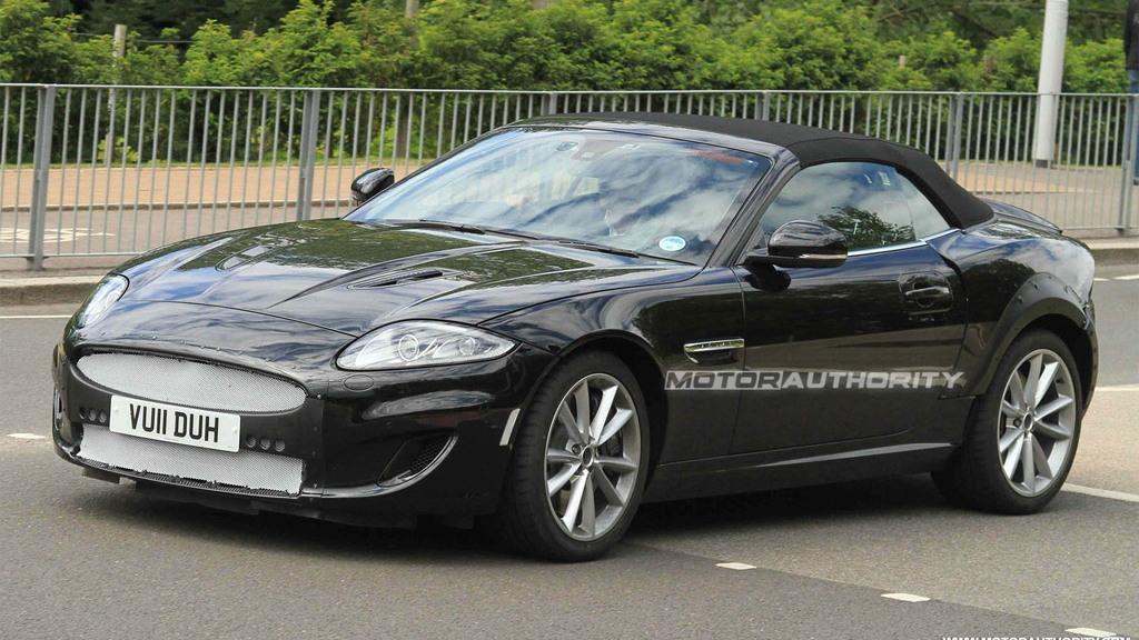 2014 Jaguar XE Roadster test mule spy shots