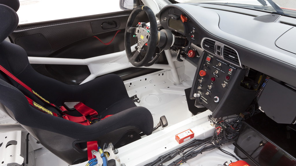2012 Porsche 911 GT3 R race car