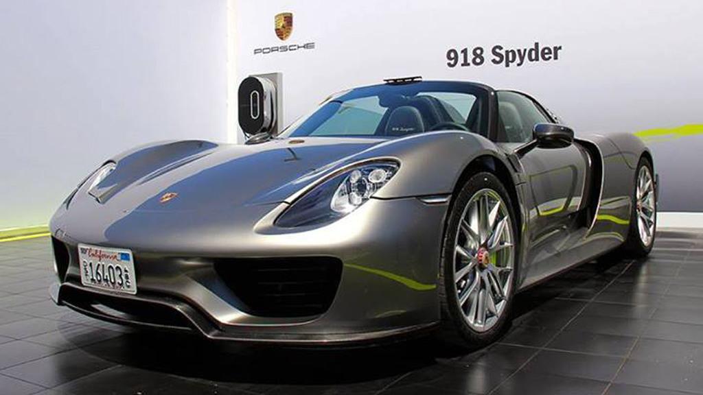 Production-spec 2014 Porsche 918 Spyder