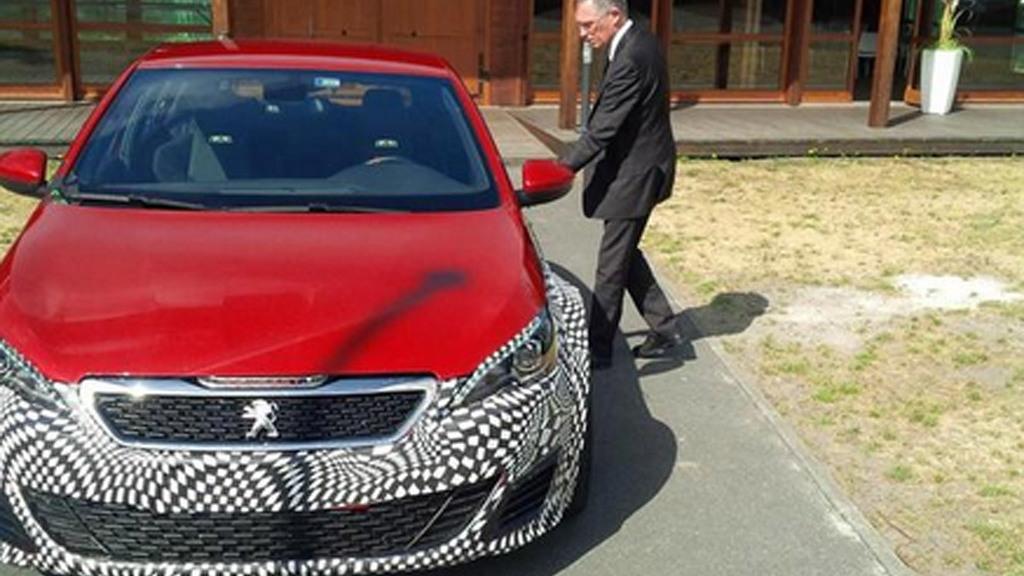 Teaser for production Peugeot 308 R Hybrid