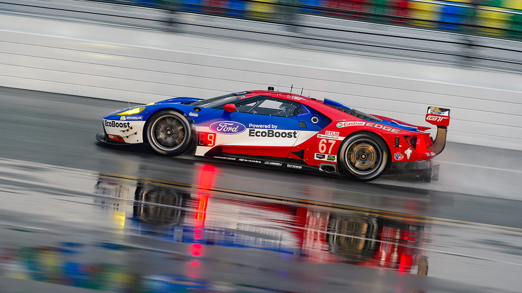 Ford GT race car during 2016 Rolex 24 at Daytona qualifying