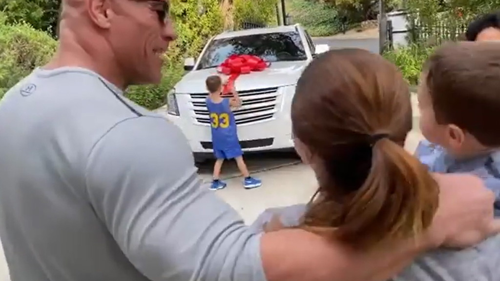 """Dwayne """"The Rock"""" Johnson surprises his sister-in-law for Christmas with a Cadillac Escalade"""