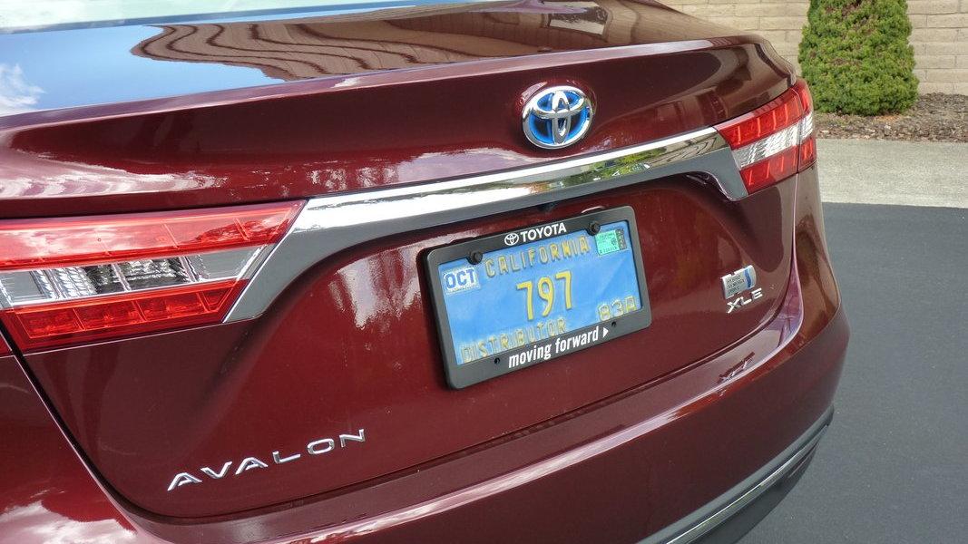 2013 Toyota Avalon Hybrid  -  First Drive, 10/2012