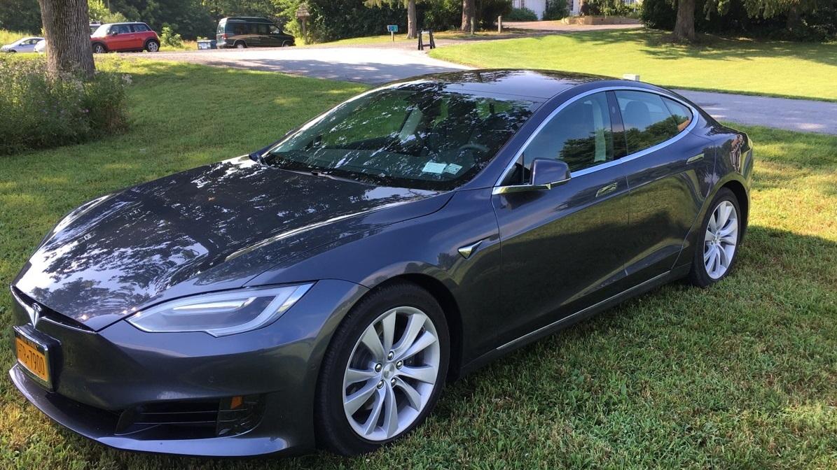 2017 Tesla Model S 100D   [photo: David Noland, owner]