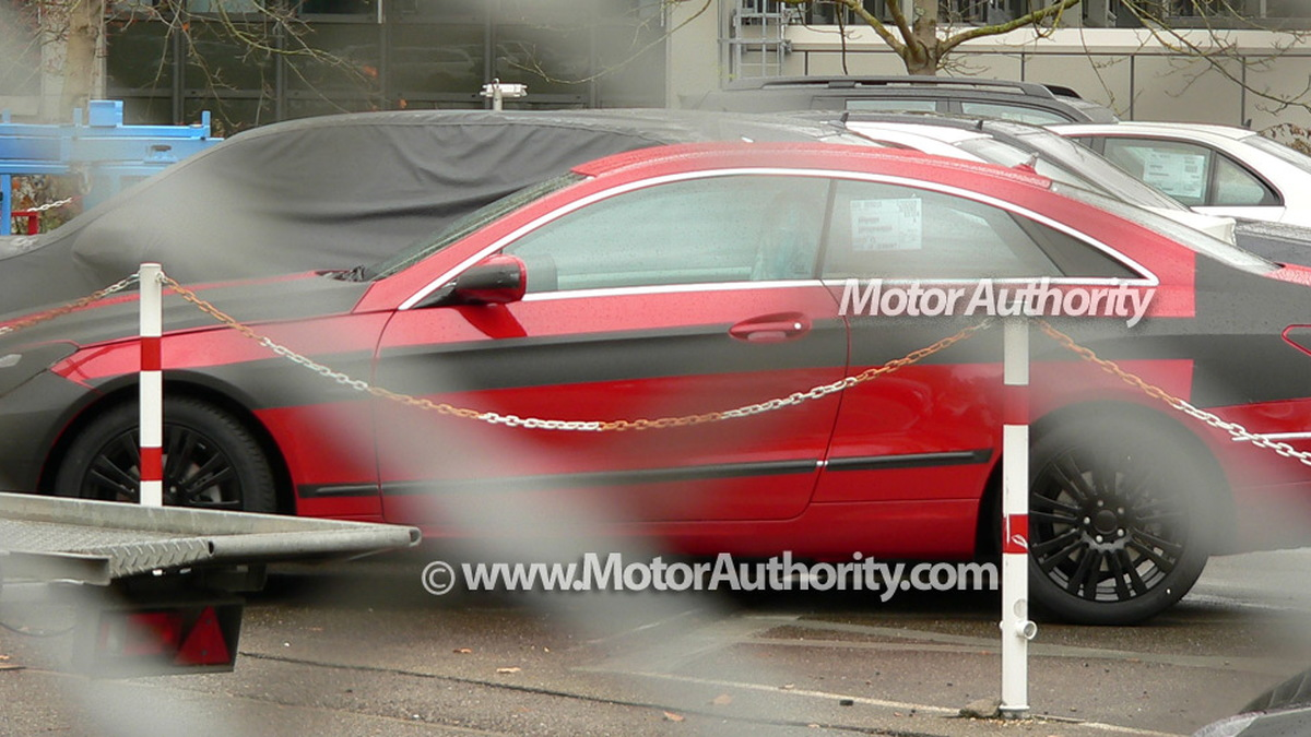 2010 mercedes benz e class coupe spy shots october 007