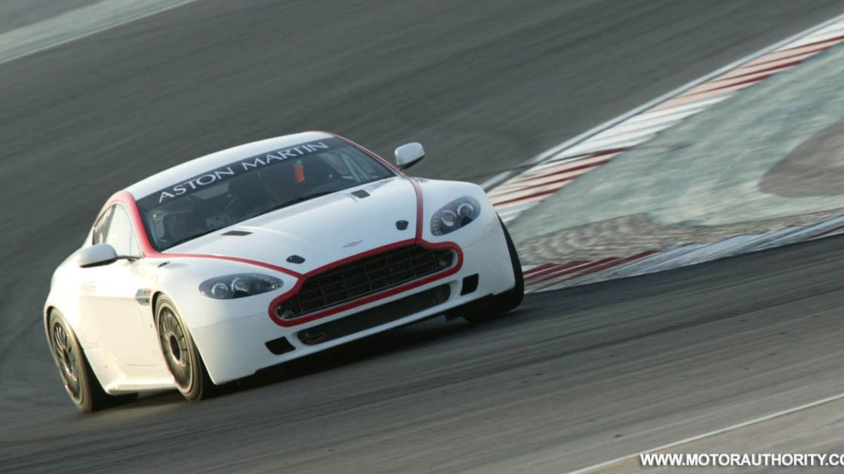 aston martin racing v8 vantage gt4 001