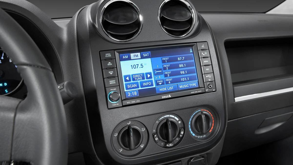 2009 jeep interior redesign motorauthority 012