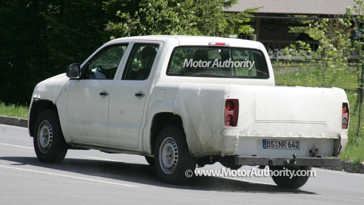volkswagen robust spy motorauthority 002 1