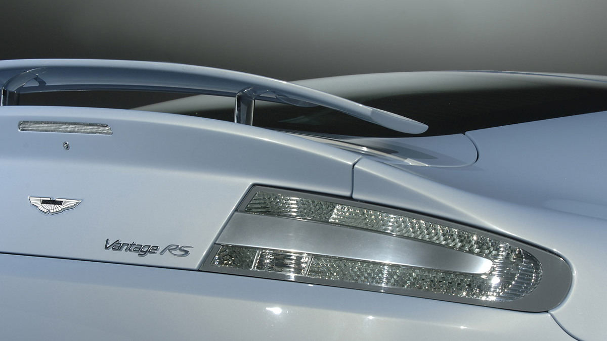 aston martin v12 vantage rs concept motorauthority 005