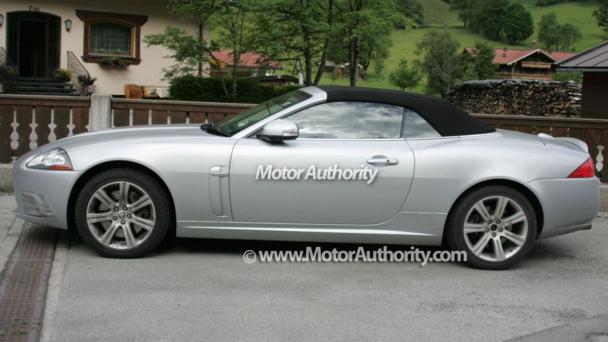 jaguar xk cabrio facelift motorauthority 003
