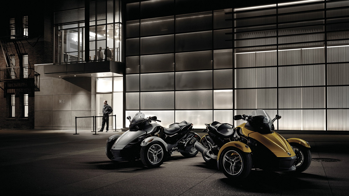 can am spyder motorauthority 001