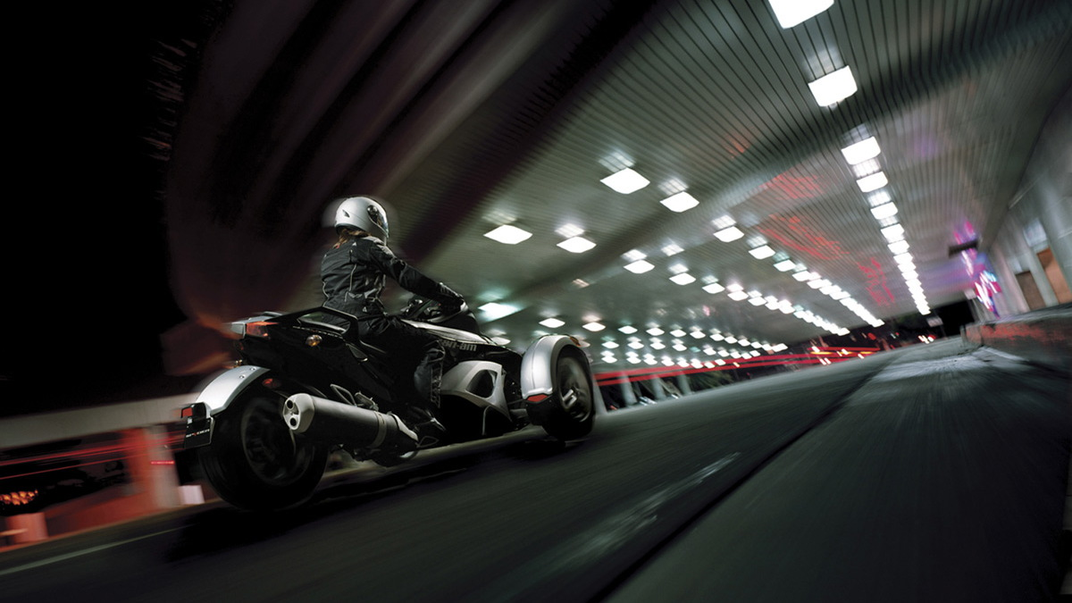 can am spyder motorauthority 005