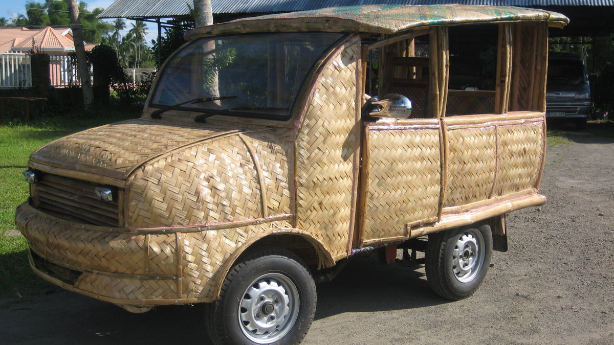 TOTI bamboo ECO2 8-passenger taxi in Tabontabon, Philippines