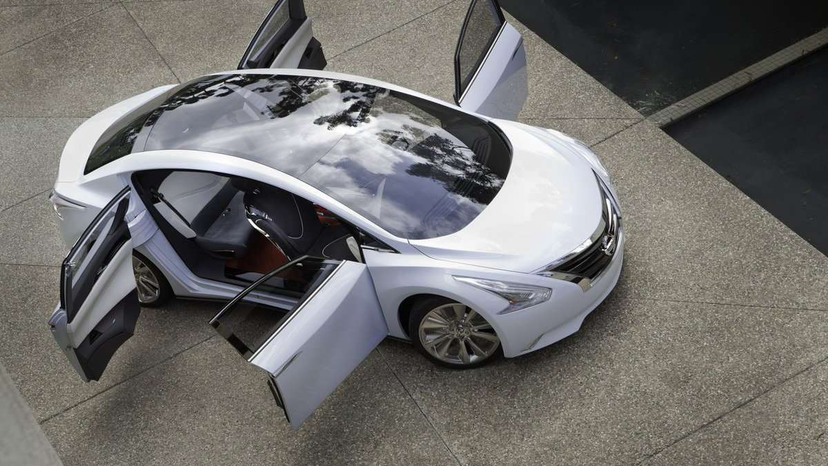 2011 Nissan Ellure Concept
