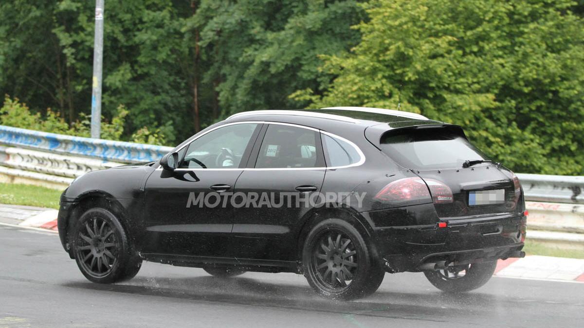 2014 Porsche Macan spy shots