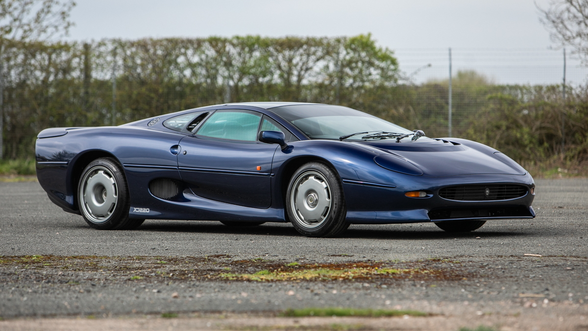 1995 Jaguar XJ220 at Silverstone Auctions