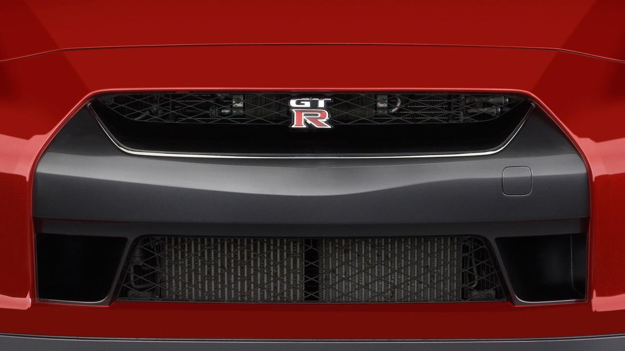 2011 Nissan GT-R 2-door Coupe Premium Grille