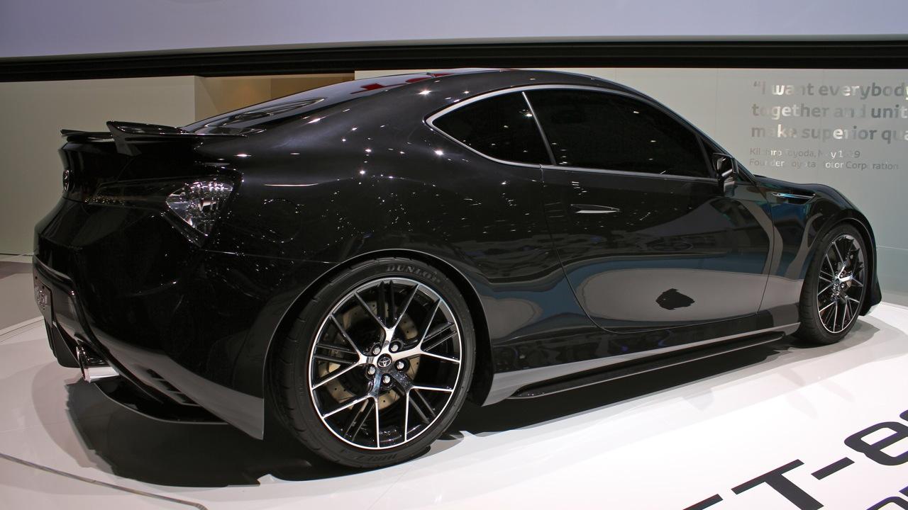 2011 Toyota FT-86 II Concept live photos