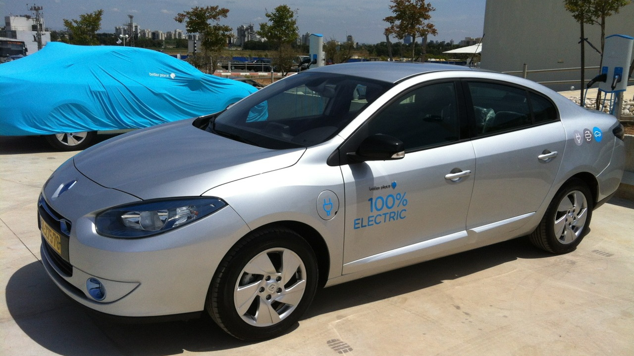 2012 Renault Fluence ZE electric car, powered by Better Place in Israel [photo: Brian of London]