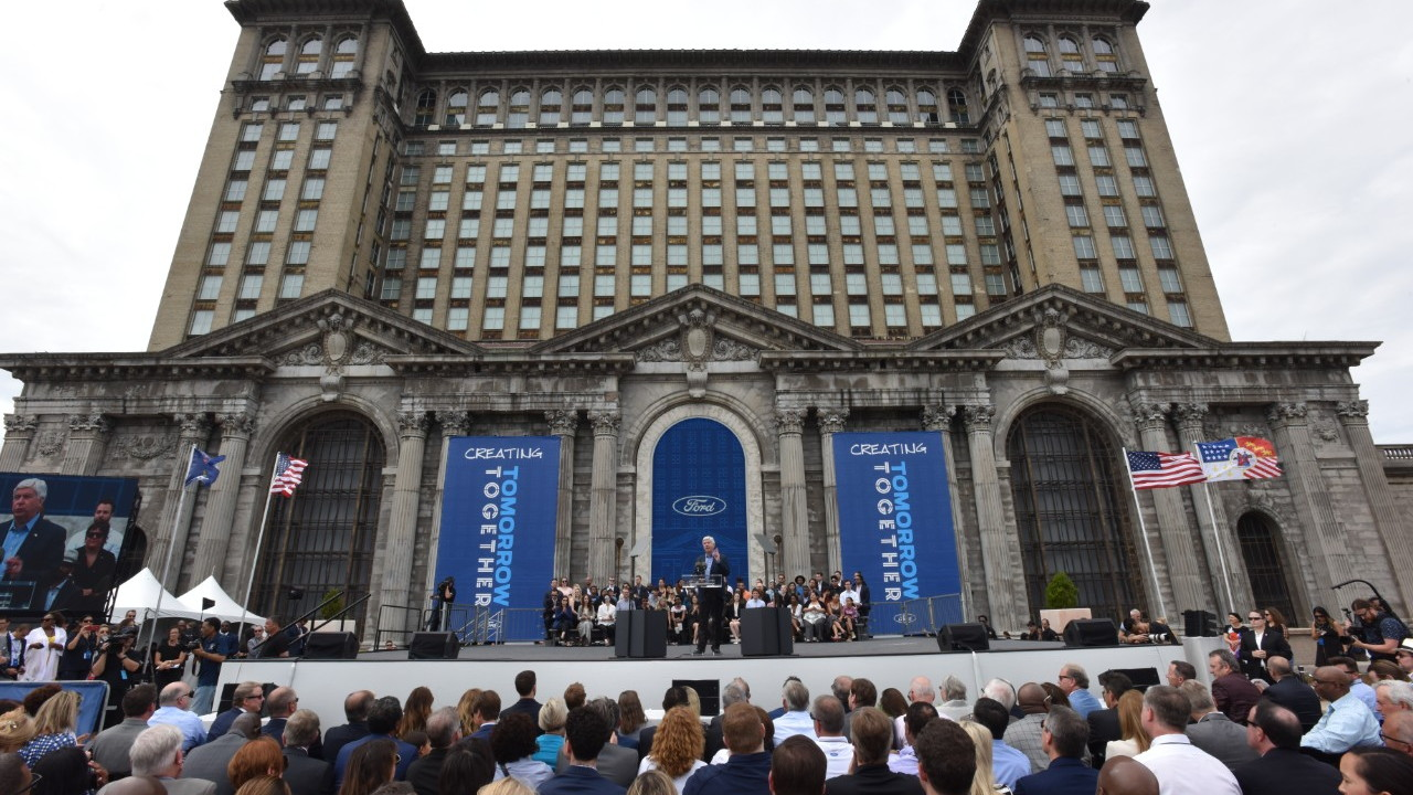 Ford to spend millions rehabbing Michigan Central Station