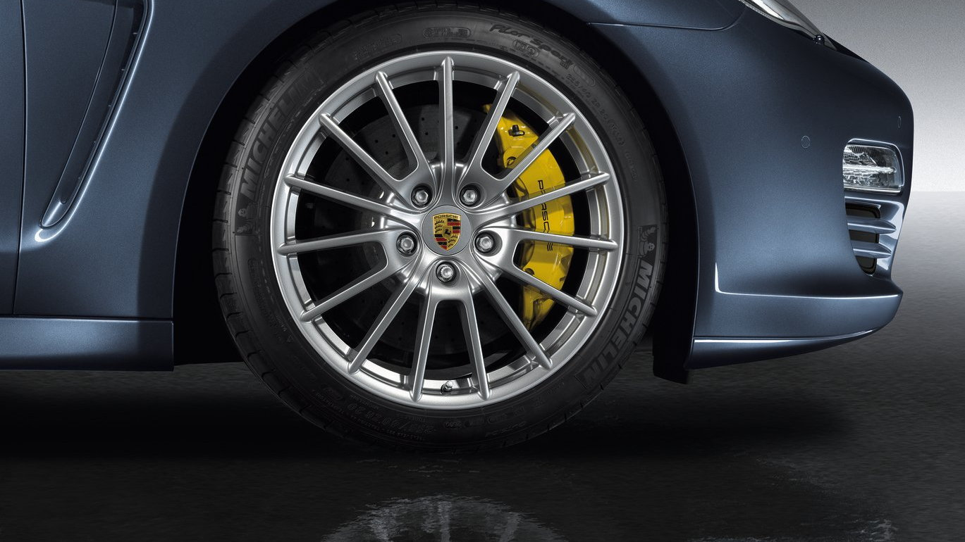 Porsche Panamera Sport Design Package, Powerkit, and Sport wheel upgrades