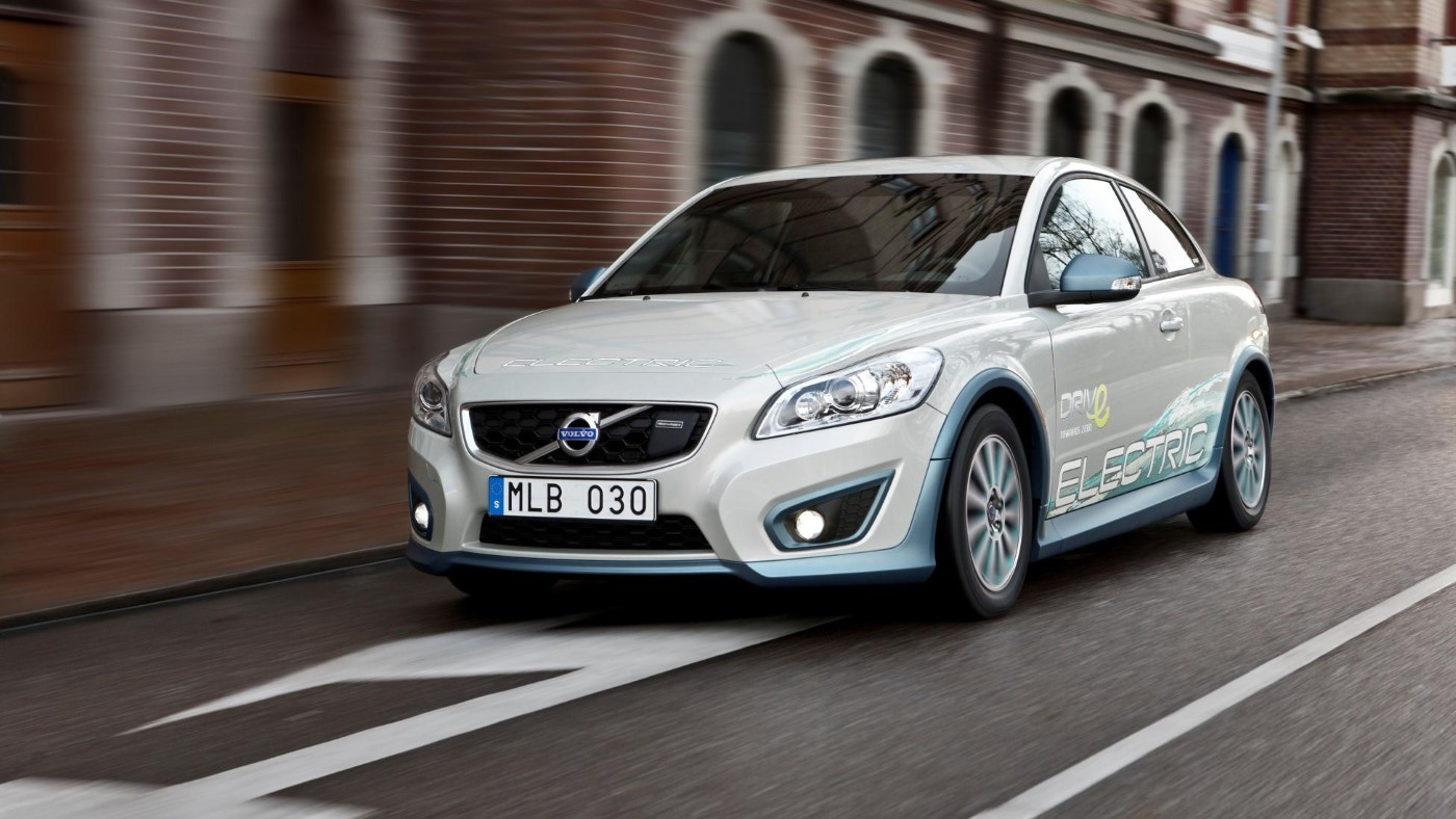 Volvo tests inductive charging with C30 Electric