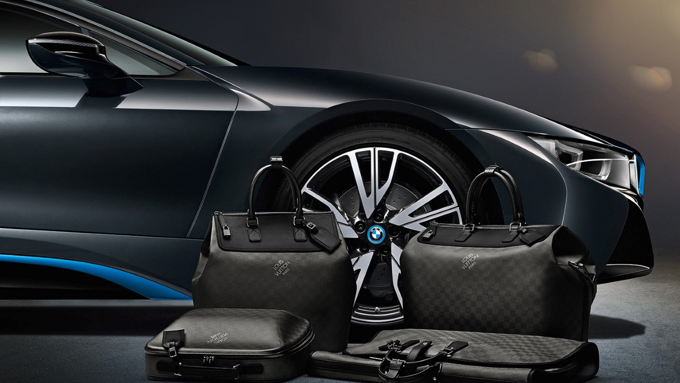 2015 BMW i8 Louis Vuitton luggage set