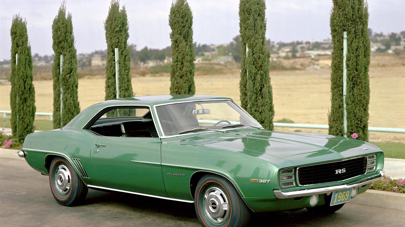 1969 Chevrolet Camaro RS in Rallye Green