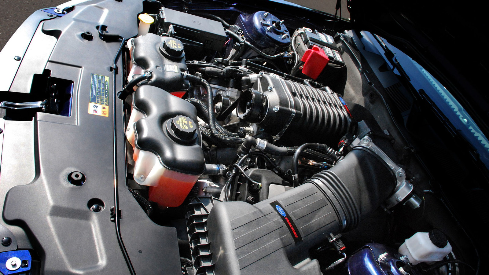 Ford Racing Mustang 5.0 twin-screw supercharger