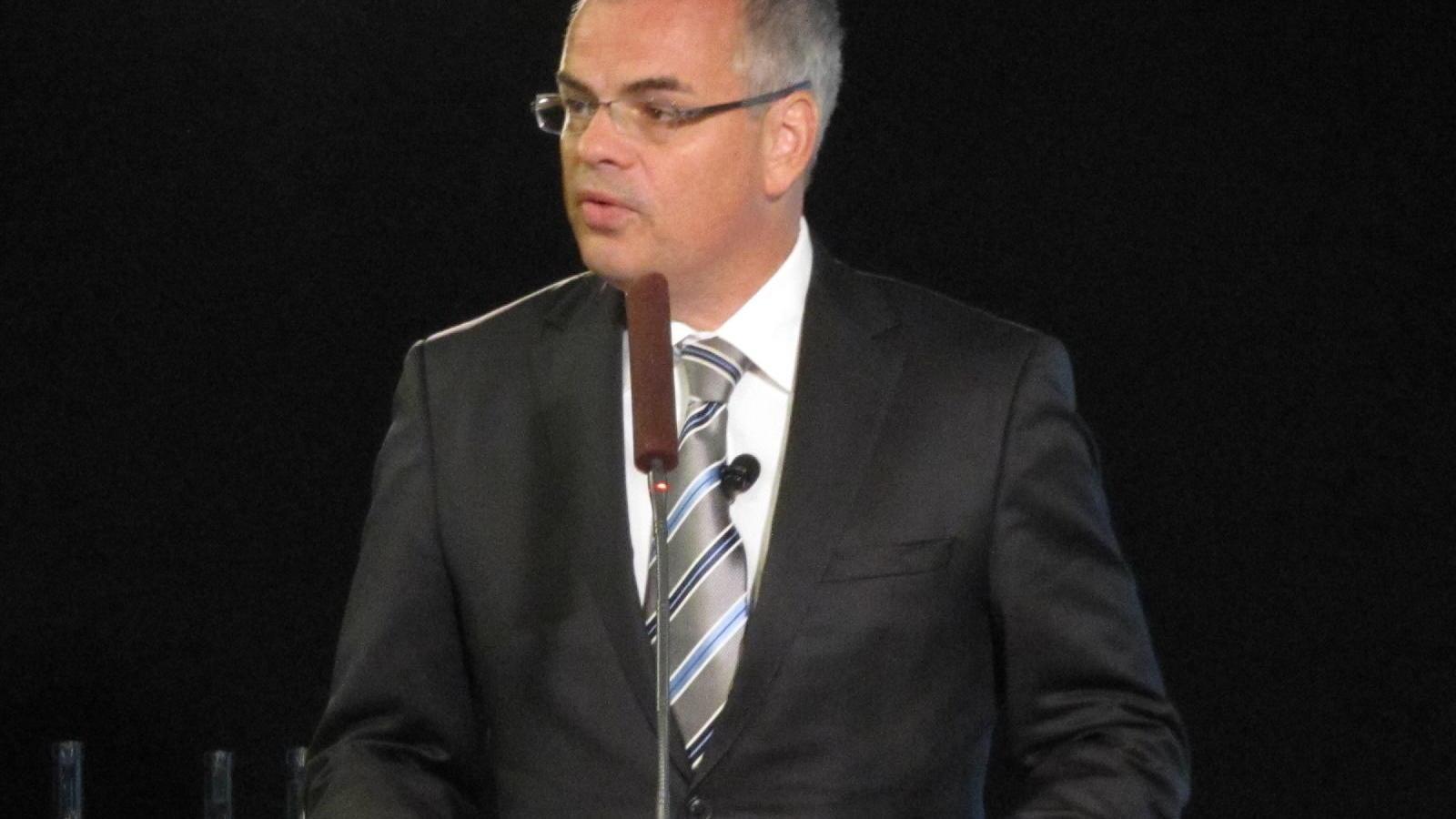 "Stefan Jacoby, Volvo Cars CEO, at Volvo ""Innovations Toward Zero"" seminar, June 2011"
