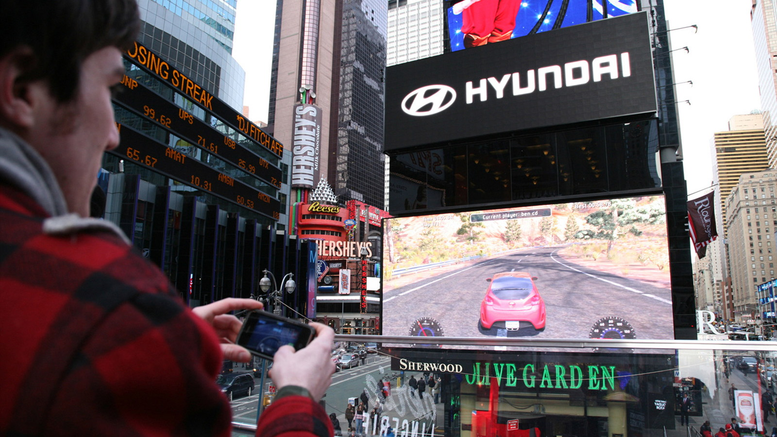 Hyundai Race lets you pilot a Veloster on a Times Square billboard