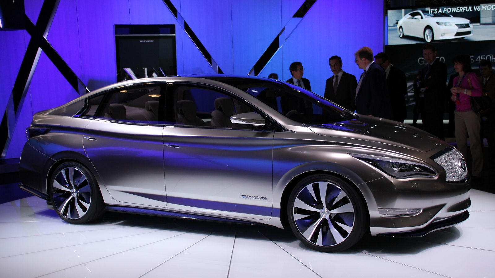 Infiniti LE Concept at New York Auto Show, April 2012