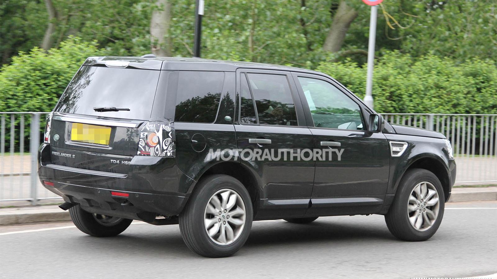 2013 Land Rover LR2 (Freelander) facelift spy shots