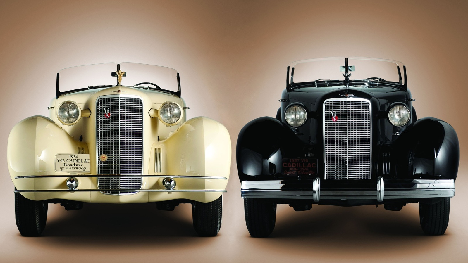 Roadster 5802 and Phaeton 5859 - photo courtesy RM Auctions/Darin Schnabel